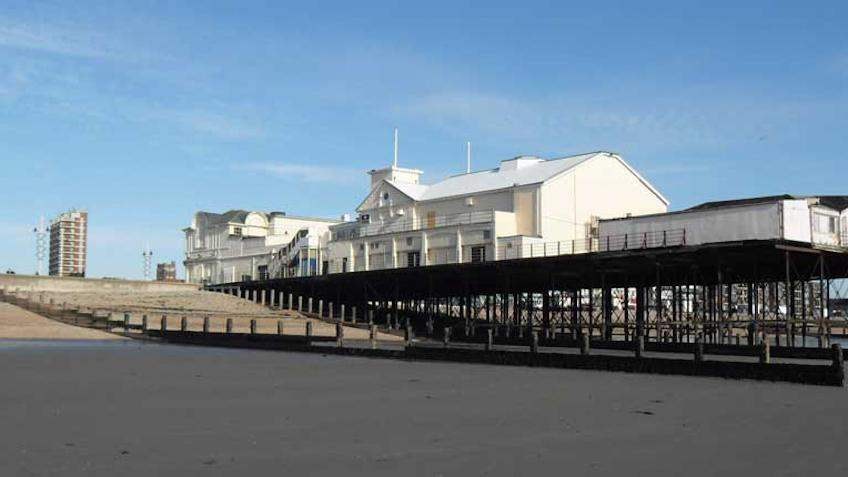 Bognor Regis pier from the west