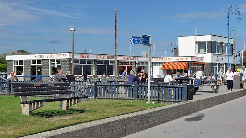 Felpham beach café