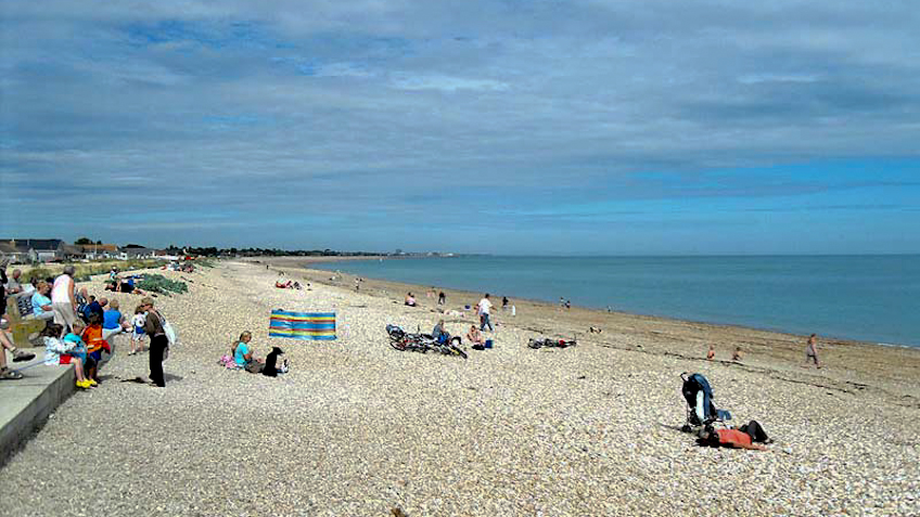 Pagham beach looking east
