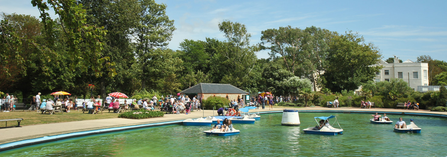 The boating lake at Hotham Park