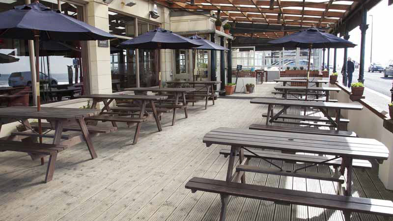 The Waverley Bognor Regis outdoor seating